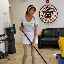 La nueva chica de la limpieza se traga toda la corrida por Bangbros