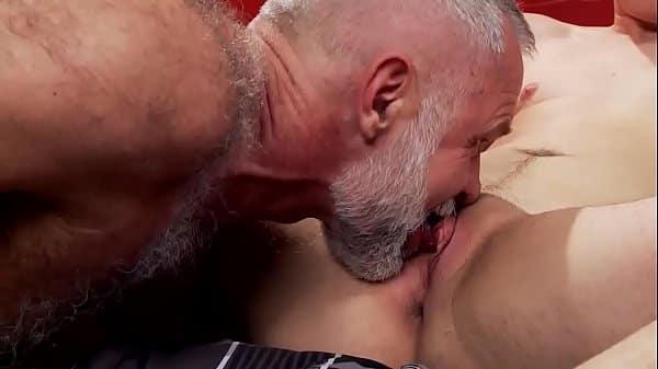 Padre se folla a su hijo porno gay Papa Allen Silver Se Folla A Su Hijo Gay Jokerporno Com