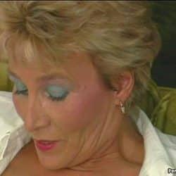 Abuela viciosa probando sexo anal con su hijo