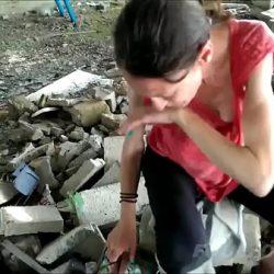 Me follo a una vagabunda sin casa en un descampado a cambio de un bocadillo