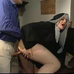 Jessica Rizzo es una monja muy guarra