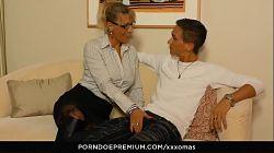 Madura alemana Lana Vegas follando con el amigo de su hijo