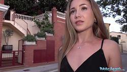 Preciosa rusa Mary Rock follando a cambio de dinero